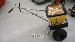 Meyer 38190 Hot Shot 100HD S/S Walk Behind Fertilizer / Ice Melt Spreader